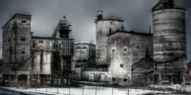 Strå Kalkbruk tillverkade bränd kalk för både industri-, byggnads och jordbruksändamål. Företaget bildades 1906 i Sala där också det första kalkbruket byggdes.